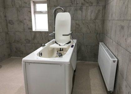 Cartref Croeso Residential Care Home - malibu bath